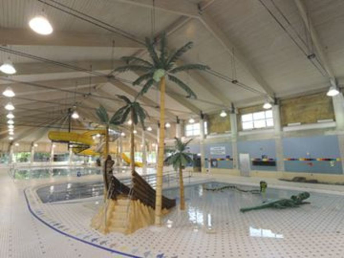 Agincourt recreation centre pool city of toronto for Indoor swimming pool scarborough