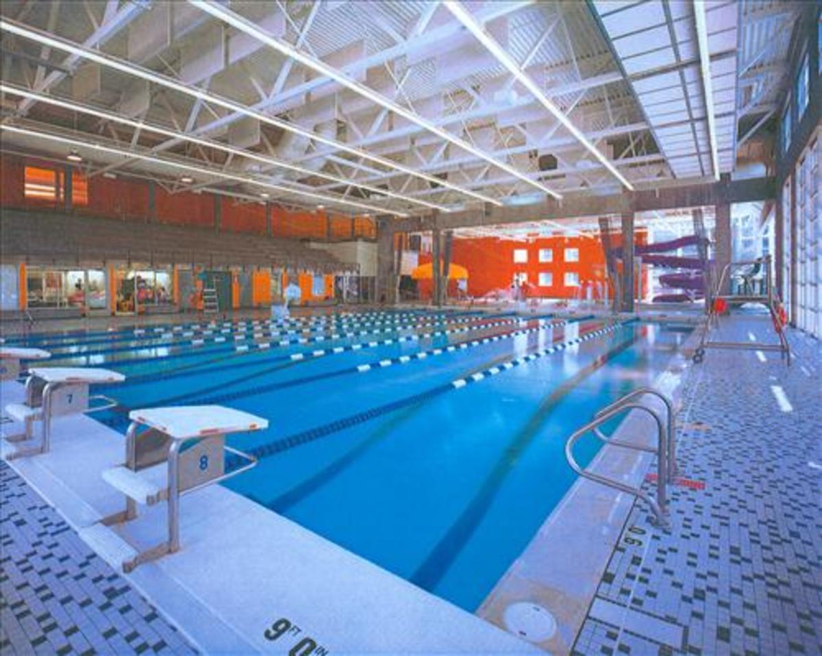 Fairmount park community centre pool city of toronto for Community center toronto swimming pool