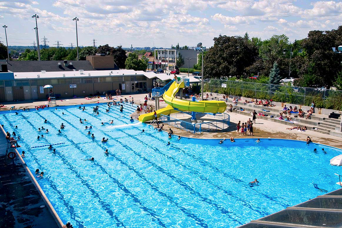 Monarch park outdoor pool city of toronto for Swimming pool supplies toronto